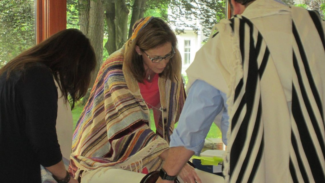 JSLI Trained Rabbis – members of the UJUC – Do Good Work